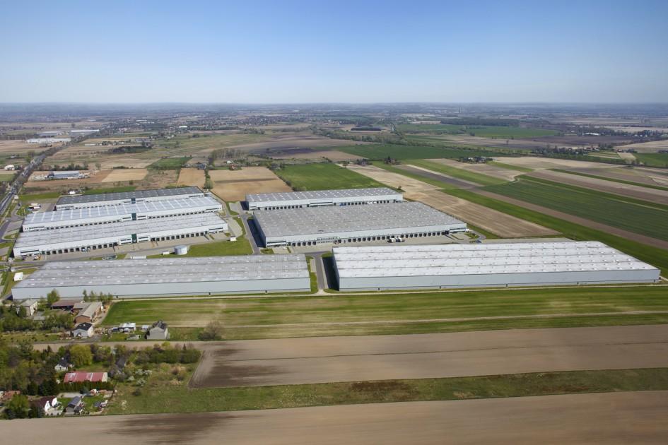 Zdjęcie lotnicze kompleksu magazynowego