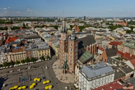 Rynek Główny w Krakowie z podniebnej perspektywy