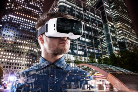 Wirtualna rzeczywistość w ofensywie
